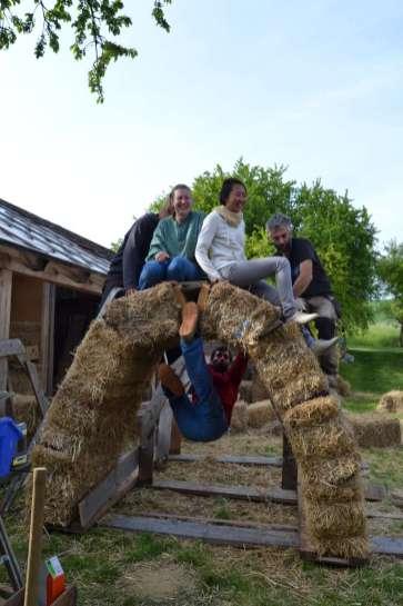 STEP-U3-load-bearing-straw-bale-training-62