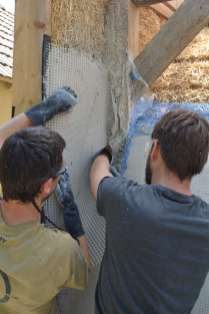 step-5-2020-lime-plaster-on-straw-bale-138