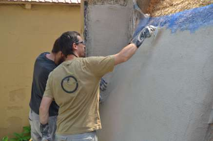 step-5-2020-lime-plaster-on-straw-bale-146