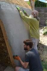 step-5-2020-lime-plaster-on-straw-bale-176