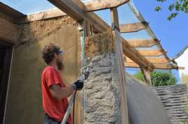 step-5-2020-lime-plaster-on-straw-bale-75