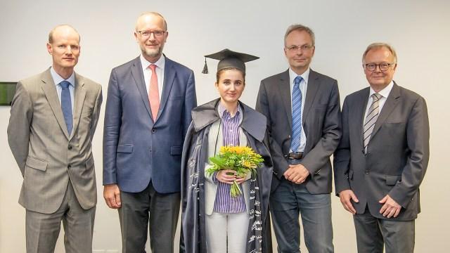 Dr. Evmorfia Panteki und die Mitglieder der Promotionskommission