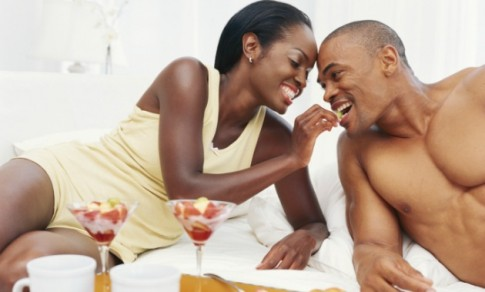 black-couple-bed-with-fruit-e1360953636741