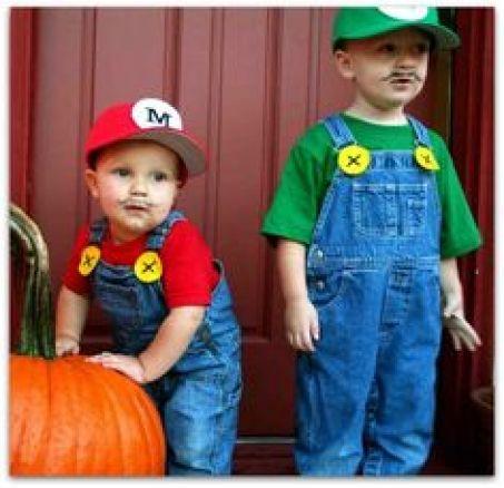 Fantasia irmãos Mario e Luigi