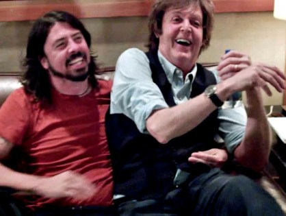Paul McCartney tocou bateria no novo disco do Foo Fighters