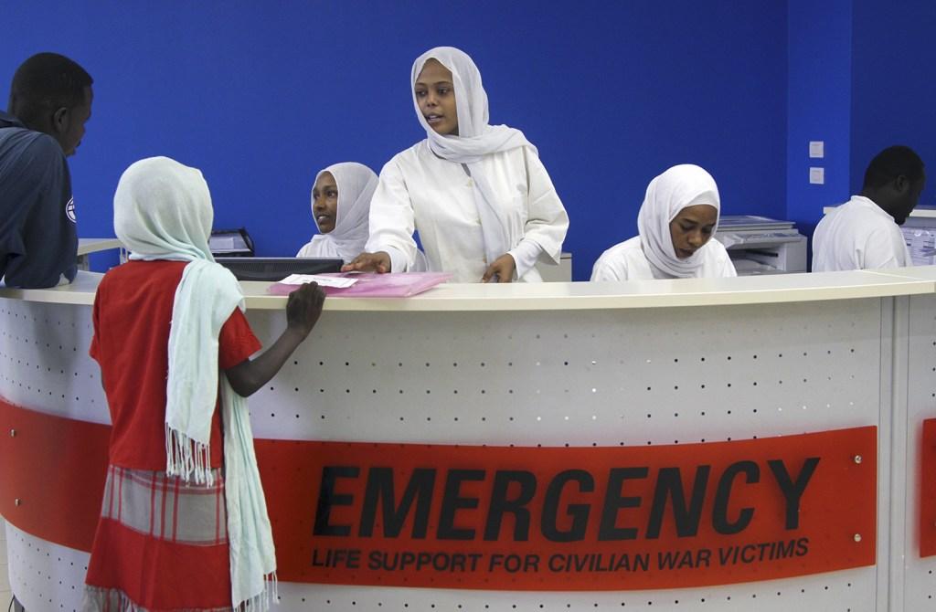 BaudouinMouanda_3A_La reception, l'acceuil est ordonné avant d'envoyer les patient dans la salle d'examination