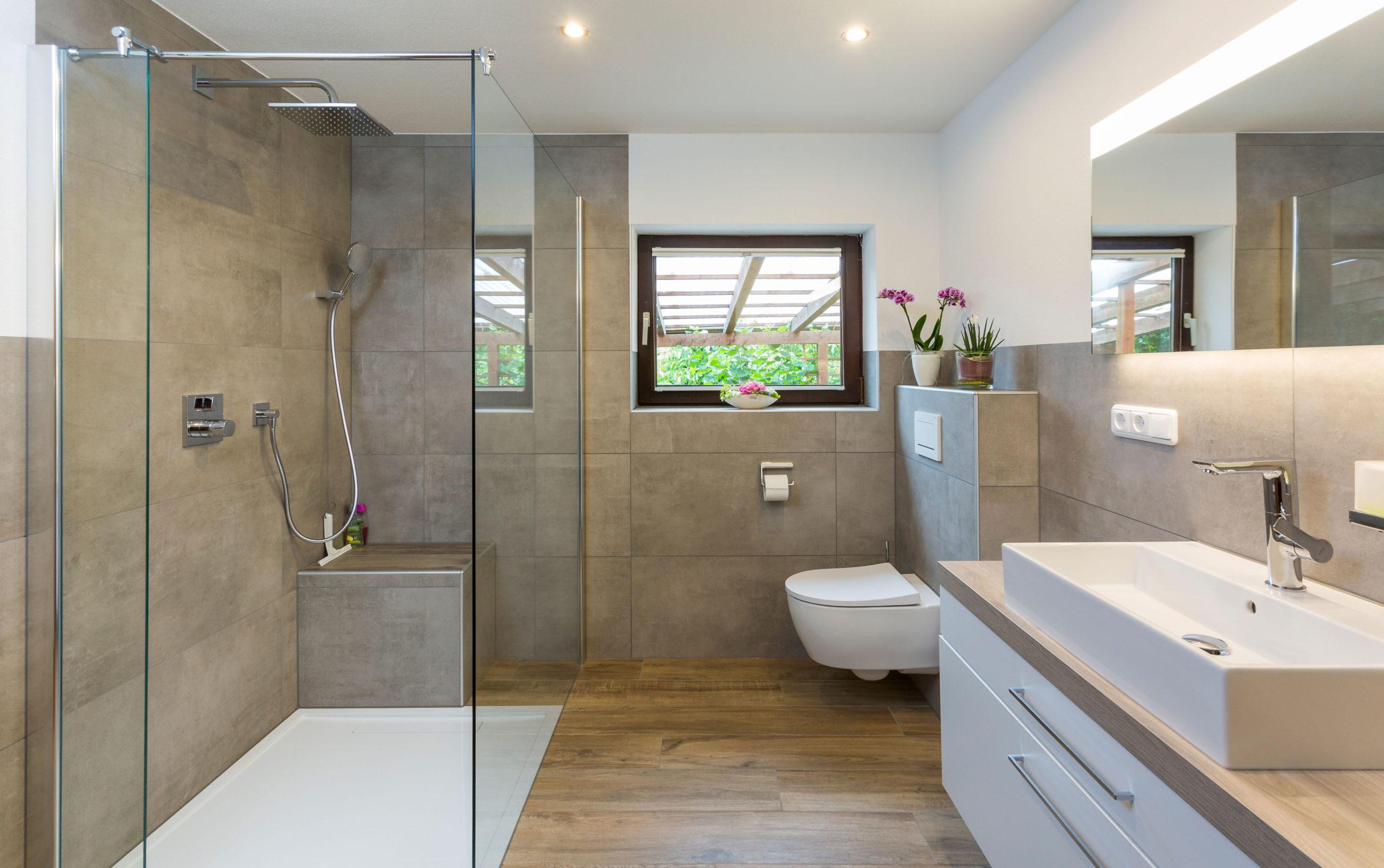 Badezimmer frisch nach dem modernisieren
