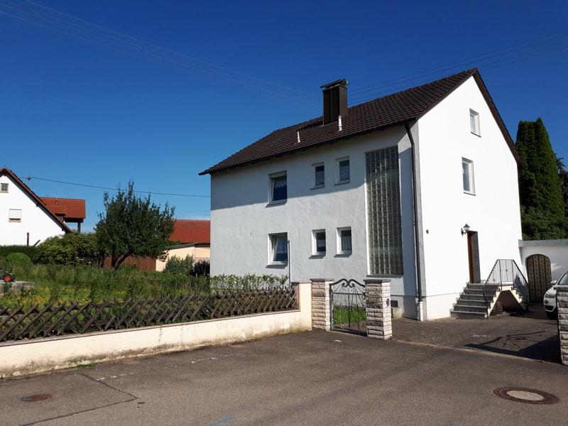 Berater altes Haus kaufen, KFW Beratung neues Haus bauen Fassade geeignet für Wärmedämmputz, KfW Maßnahme gefödert Erhöhung Dämmwert der Außenwände