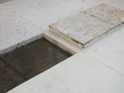 Fußboden & Dämmung entfernen nach Wasserschaden, Schimmelbefall im Schlafzimmer