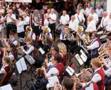 Nachrichten Baunatal - Dämmerschoppen Großenritte mit dem Musikzug Großenritte