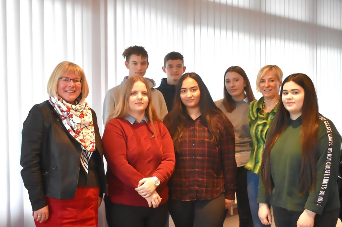Schüler der THS Baunatal sammelten für Volksbund Deutscher Kriegsgräberfürsorge