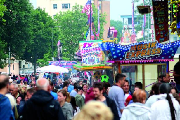 Stadtfest Baunatal,  Vergnügungsmeile, Fahrgeschäfte, Schausteller, Baunatal