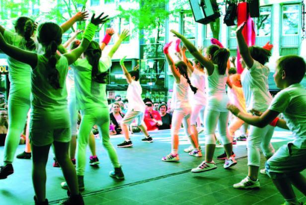 Stadtfest Baunatal Donnerstag, Freshdance und Hotmusic
