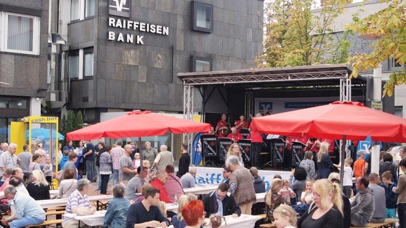 Ihre Raiffeisenbank eG Baunatal für unsere Region! Wir unterstützen das Stadtfest Baunatal 2019