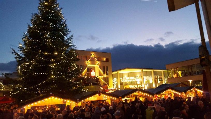 Nikolausmarkt Baunatal, Weihnachtsmarkt Baunatal, Nordhessen, Kreis Kassel, Baunagram