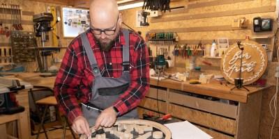 Wooden Signs, Maik Kämpfer, Holzschilder, Firmenschilder, Familienschilder, Baunatal, Nordhessen, BaunatalBlog, Dirk Wuschko