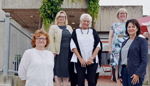 Baunatal, Bürgermeisterin Silke Engler, Personalratsvorsitzende Cornelia Steinberg