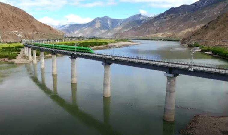 Kina lansirala impresivnu željezničku prugu sa super brzim vlakovima koji imaju dodatni kisik