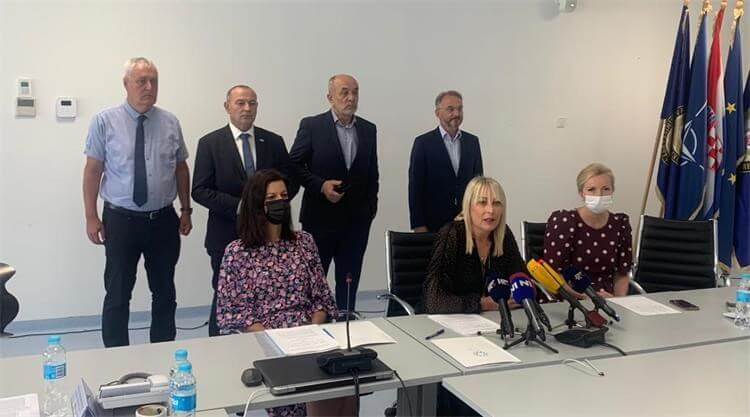 Vladina zaklada donirala 350.000 kuna za pomoć najmlađima u Petrinji