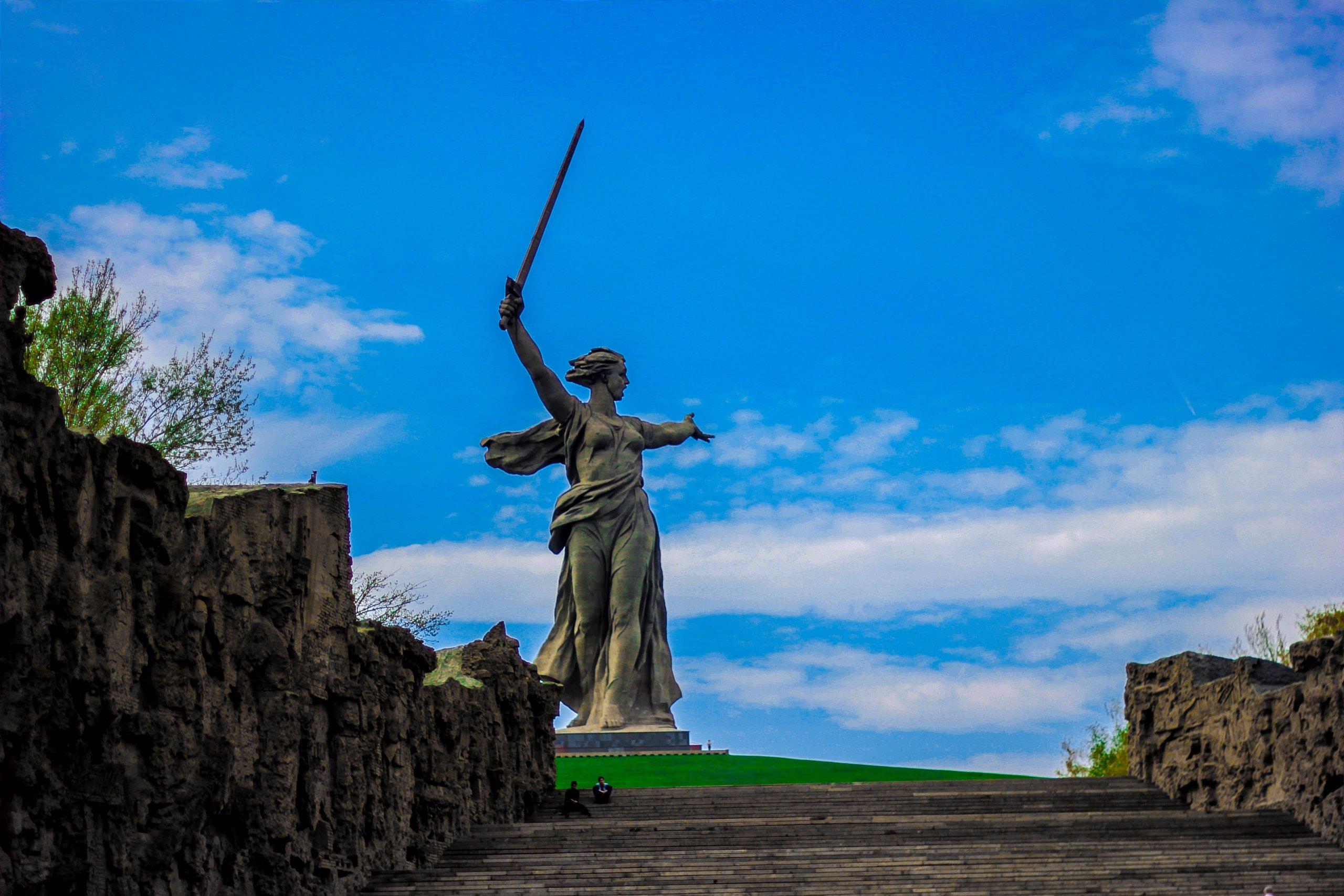 [FOTO] Znate li kome je posvećen kip 'Majka Domovina zove'?