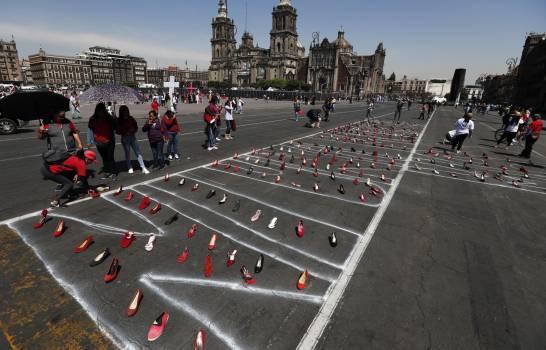 """Mexicanas realizan paro """"Un día sin mujeres"""" ante la violencia"""