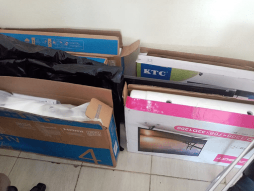 'Doña Regalona'. Exempleada robó 710 televisores de la Procuraduría General, equipó a familiares y hasta a su expareja