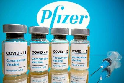 Pfizer y BioNTech solicitarán autorización para comercializar su vacuna en diciembre