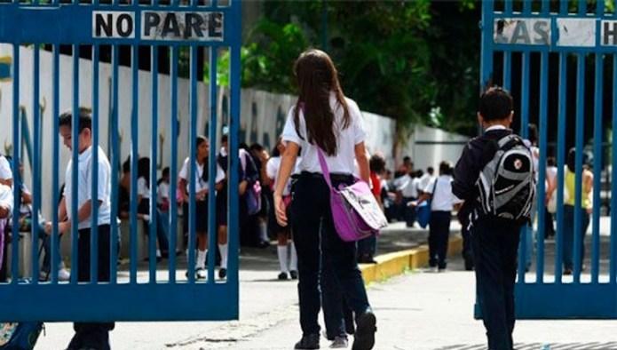 Aprueban en segunda lectura la eliminación del pago de la reinscripción de los colegios privados