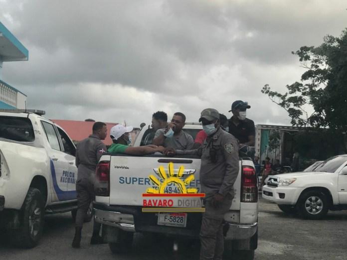 ¡Le cayó la policía a La Recta Car Wash y el Billar JM en Verón!