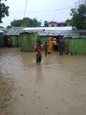 Casi 1,400 personas han sido desplazadas por depresión tropical Grace