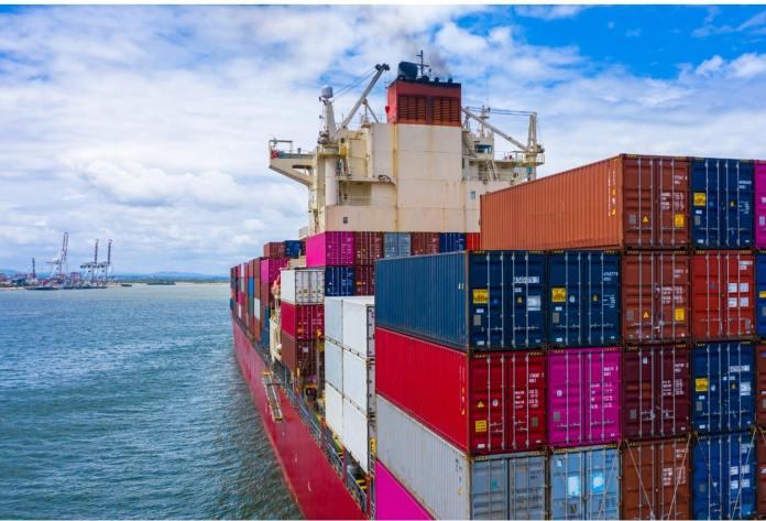 Hasta un 400% se elevan precios de fletes marítimos