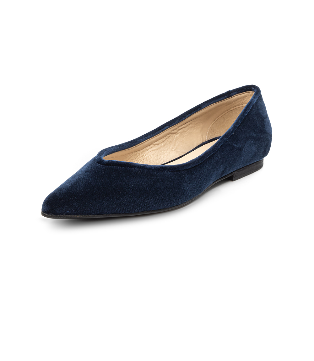 Hand made shoes in blue velvet and leather