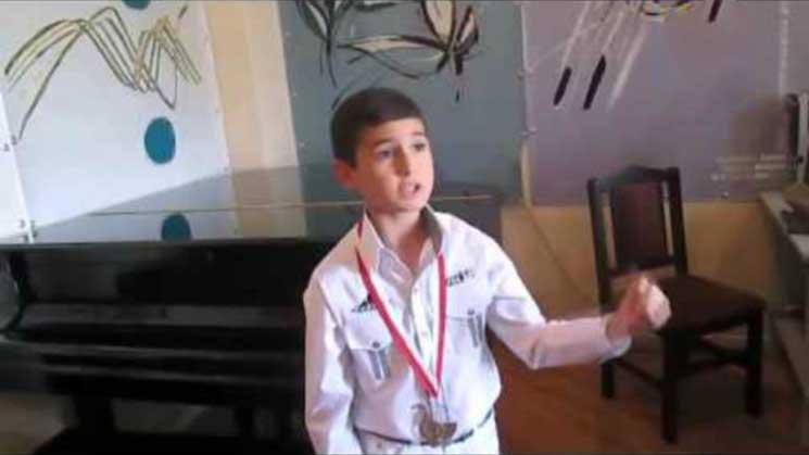 10-ամյա Համբարձումը հաղթել է՝ Թուրքիայի դրոշի տակ պատմական հայրենիքը հետ վերցնելու մասին երգով