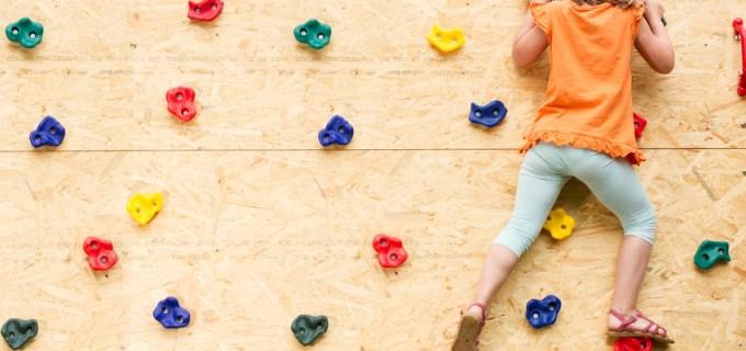 Kletterwand im Kinderzimmer