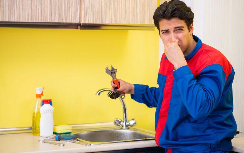 Stinkender Abfluss: Diese 9 Tipps sorgen für einen frischen ...