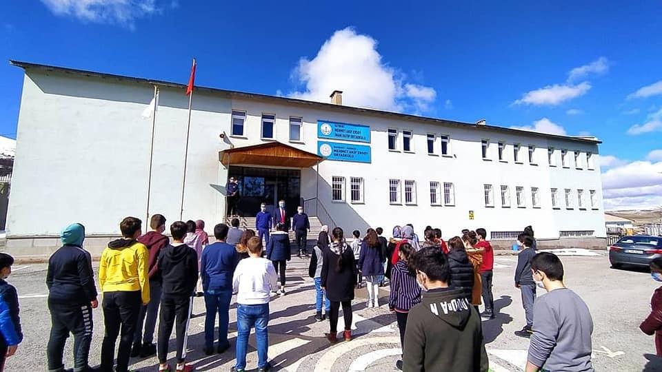'Okullarda Covid-19 Pozitif Vaka Çıkması Durumunda Yapılması Gereken Uygulamalar' rehberi 81 İl Milli Eğitim Müdürlüğüne gönderildi