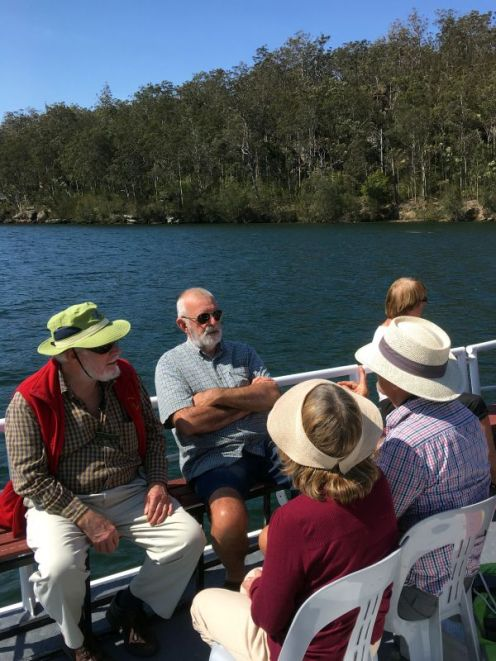 Sunny day on the Shoalhaven