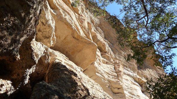 Byangee's sandstone walls