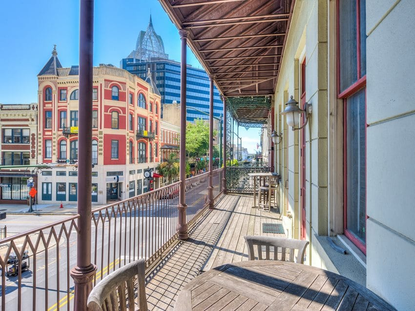 M&M Bank Purchases Locations Downtown, In West Mobile