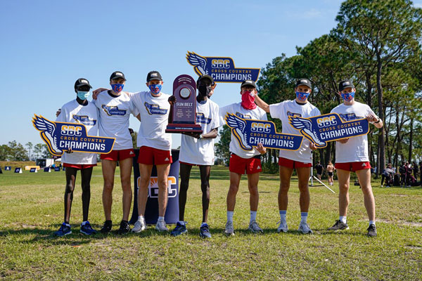 Jags Cross-Country Men Win, Women Place at Championship