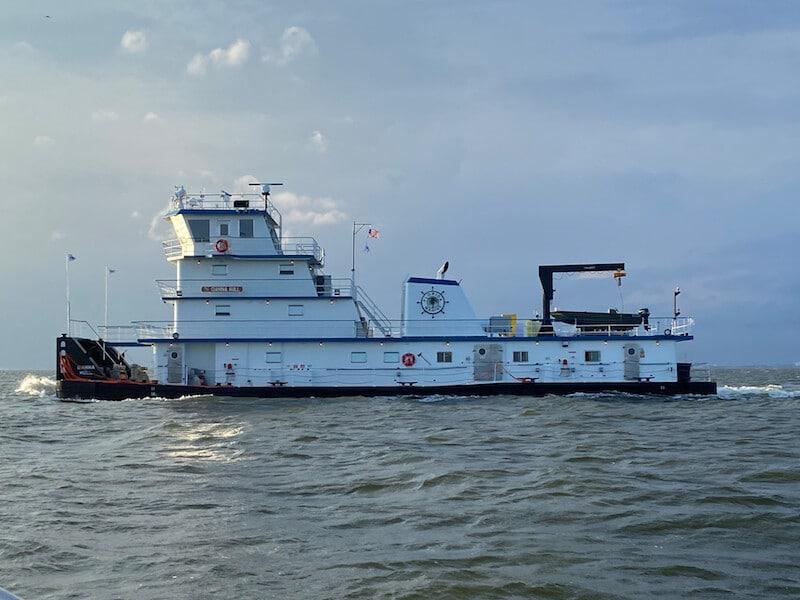 Metal Shark Delivers Towboat
