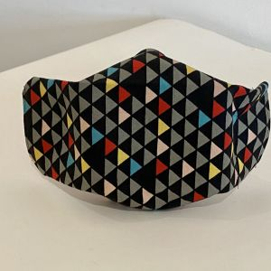 Cotton face mask with black triangle design