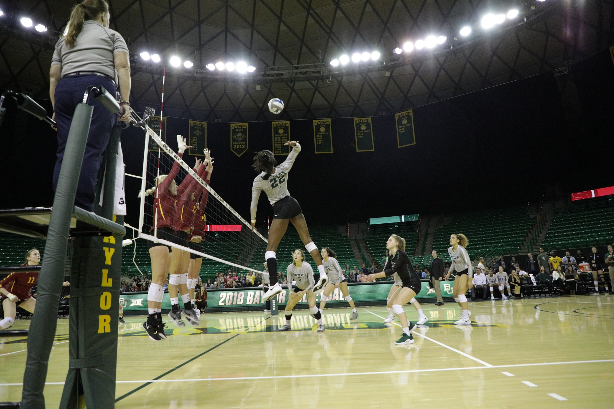 Volleyball Defeats Texas Tech For Sixth Straight Win The