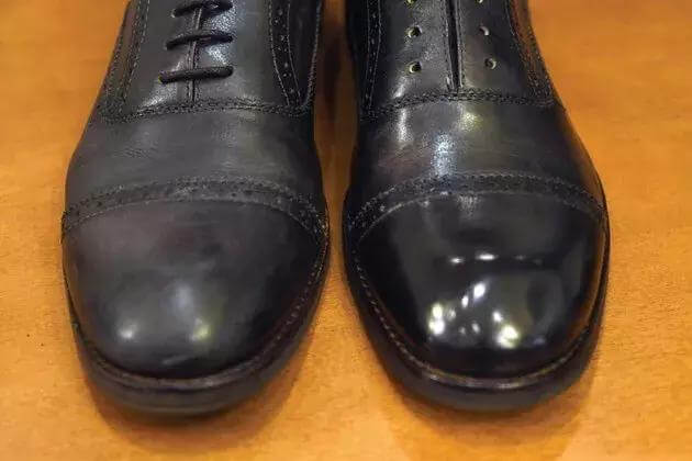 кожаную обувь