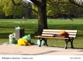 Abfall im Park © Matthias Buehner