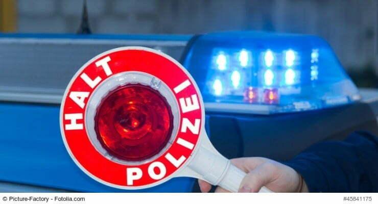 Foto zur Bayerischen Polizeirechtsnovelle - Haltekelle, Blaulicht