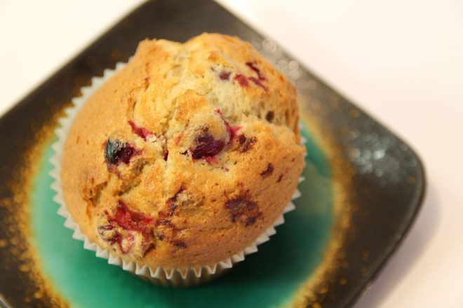 muffin on plate close up