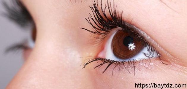 التخلص من التجاعيد حول العين