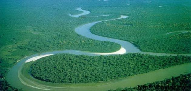 كم طول نهر النيل