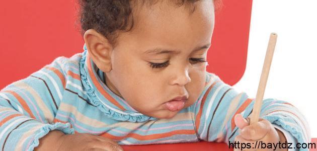 كيف يتعلم الطفل القراءة